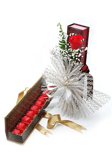 Çikolata ve Tek Gül-44 Gaziantep Çiçek Sepeti Siparişi