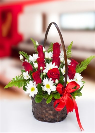 Papatya ve 9 Gül Çiçek Sepeti Gaziantep Çiçekciler